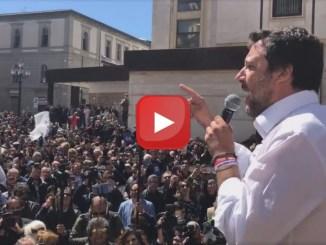 ? LIVE - Ministro Matteo Salvini a Catanzaro, ne ha un po' per tutti