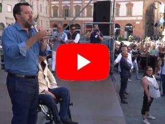 Bagno di folla per Matteo Salvini a Foligno a sostegno di Stefano Zuccarini
