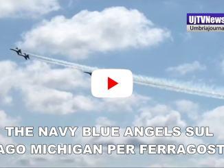 The Navy blue Angels sul lago Michigan per Ferragosto