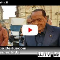 Silvio Berlusconi con i suoi tra gli stand aEurochocolate | Intervista