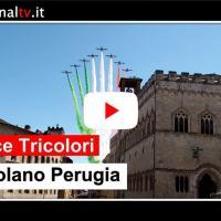 Le Frecce Tricolori e sorvolano il cielo di Perugia e di Assisi