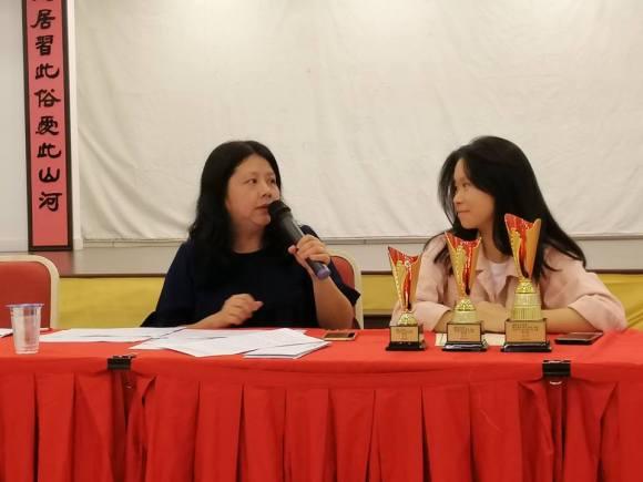 张惠思博士担任高中组作品评审。