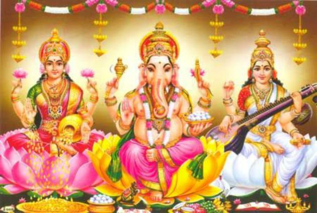 Ganesha with laxmi and saraswathi Pic