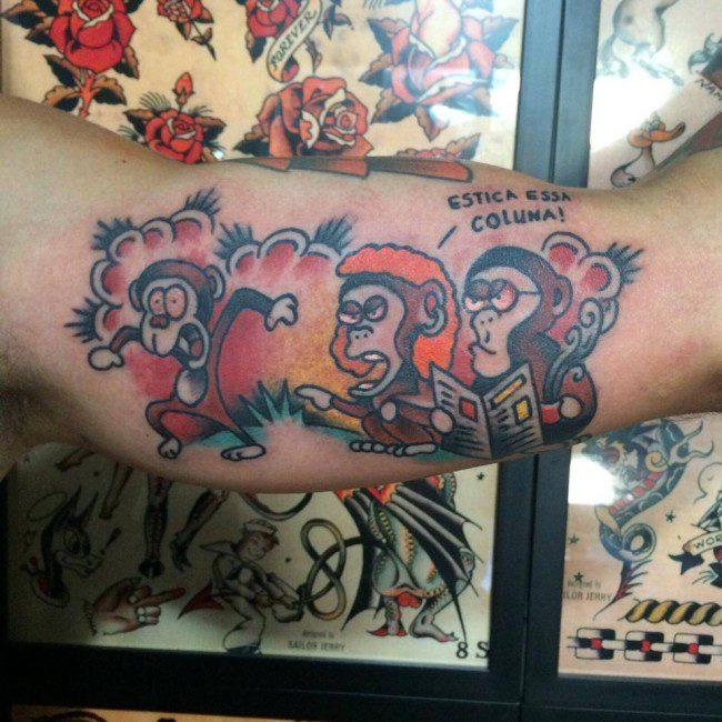 """Leitor tatua no braço tirinha do """"Um Sábado Qualquer"""""""