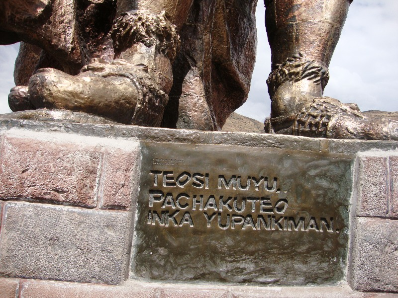 Monumento a Pachakutec - Cusco