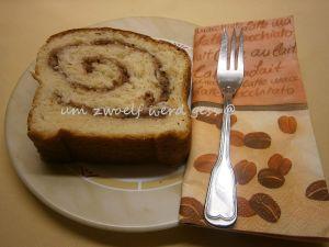 Hefe - Nuss - Kuchen mit Buttermilch