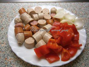 Wurstschaschlik mit Currysoße