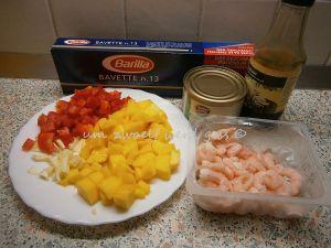 Nudeln mit Mango und Garnelen