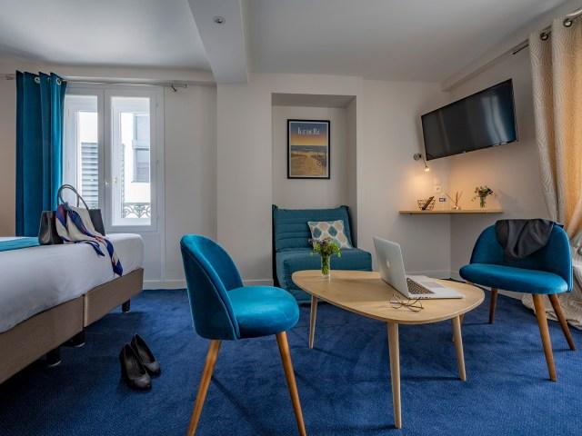 coin salon de la chambre privilège - La Rochelle