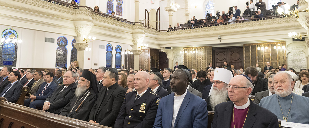 Participantes de la reunión interreligiosa