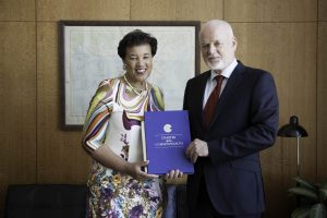Peter Thomson, President of the seventy-first session of the General Assembly meets with Patricia Scotland QC, Commonwealth Secretary-General.