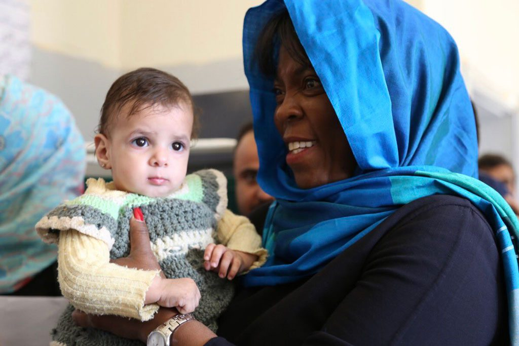 المديرة التنفيذية لبرنامج الأغذية العالمي أثناء زيارتها لليمن. الصورة: برنامج الأغذية العالمي