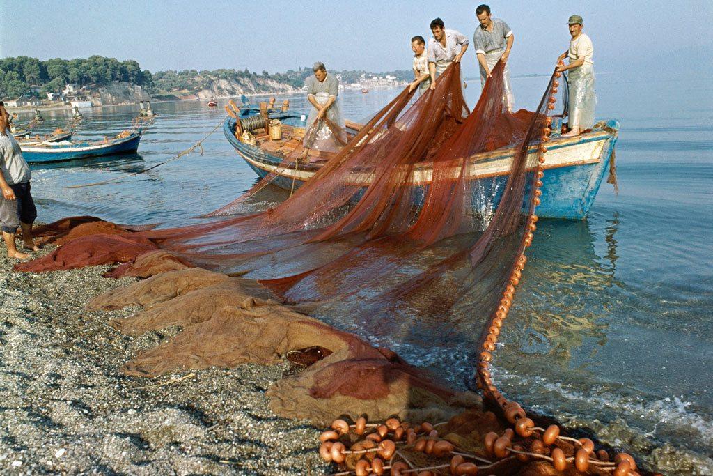 صيادون في اليونان. UN Photo/Tsagris
