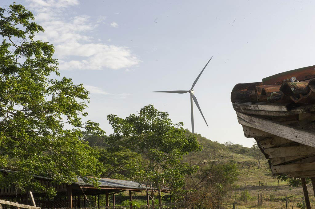 طواحين الرياح في نيكاراغوا. المصدر: الأمم المتحدة / مارك غارتن