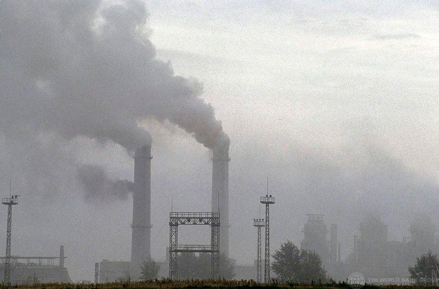 Emisiones contaminantes. Foto de archivo: Banco Mundial/Curt Carnemark