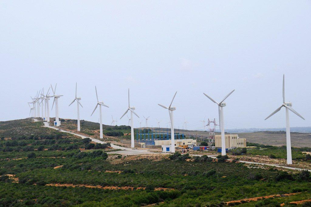 Des éoliennes en Tunisie. Photo Banque mondiale/Dana Smille