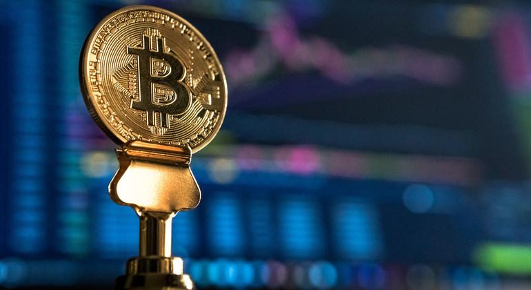 numărul total de bitcoin