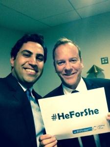 Kiefer Sutherland and Ahmad Alhendawi pose for a #HeForShe selfie