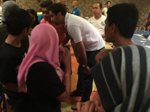 Envoy interacts with young local leaders
