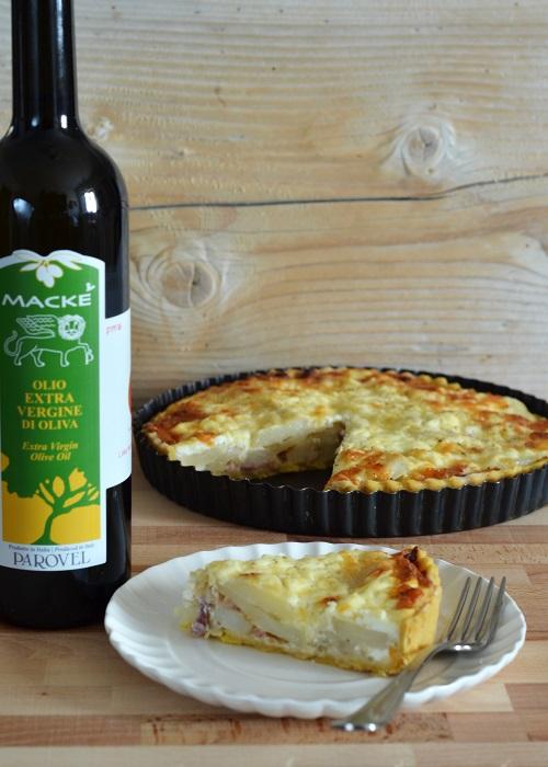 Tarte salata di patate, cipolle, pancetta arrotolata di Sauris e Montasio con pasta sablée all'olio extravergine