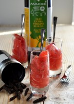 Insalata di pompelmo rosa, emulsione di olio extra vergine e acqua di fiori d'arancio, pepe lungo d'Indonesia - ©Alessandra Colaci Una casa in campagna