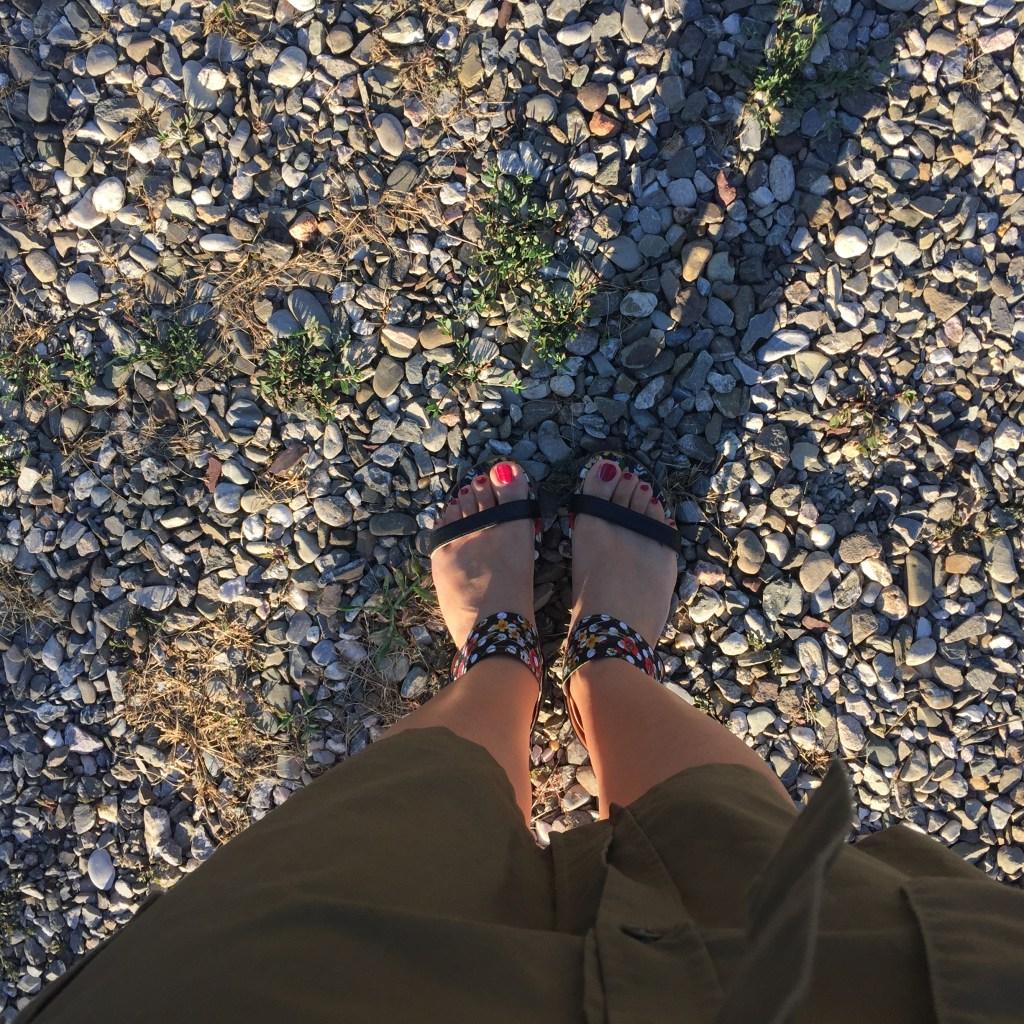 Ciottoli e sandali