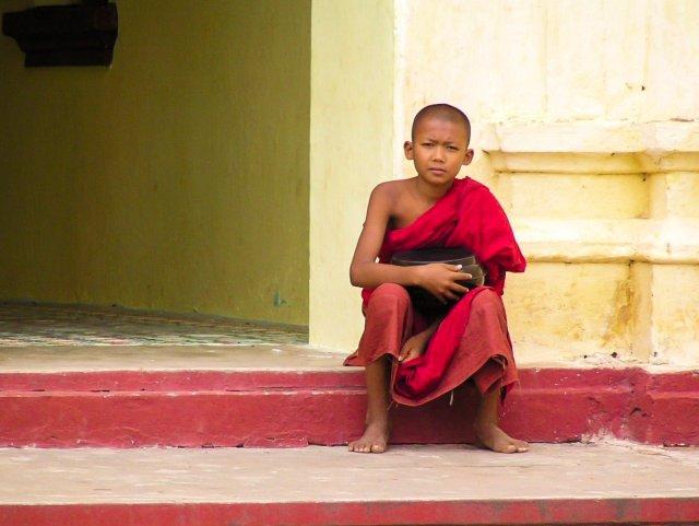 Bimbo monaco a Bagan Myanmar