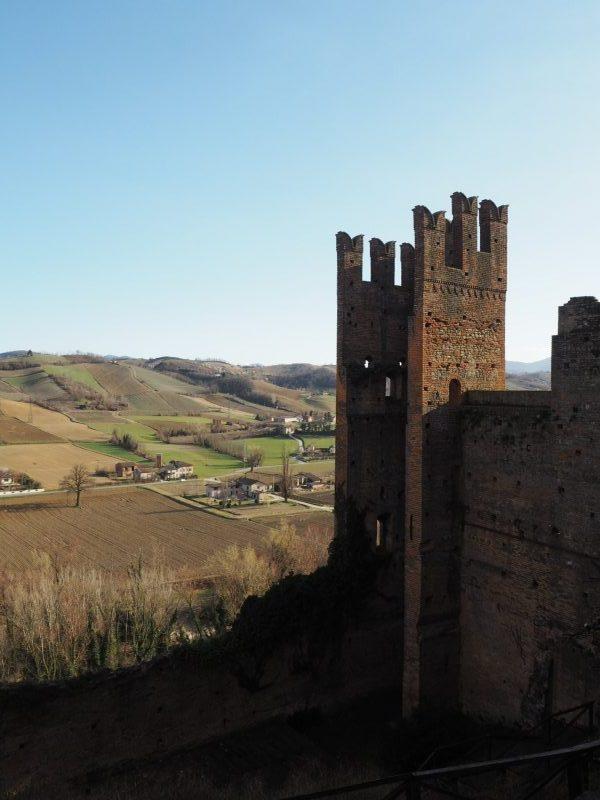 Esterno Rocca Viscontea - Castelli dell'Appennino Tosco-Emiliano