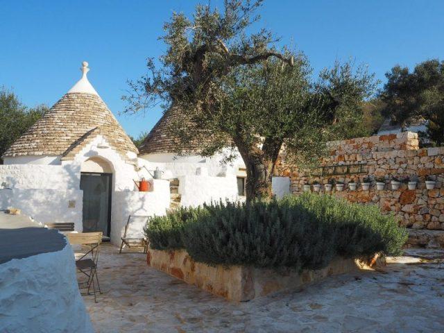 Dormire nei trulli a Cisternino - Borgo Canonica