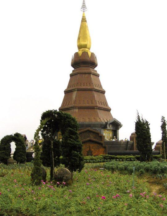 Phra Mahathat Doi Ithanon dintorni Chiang Mai