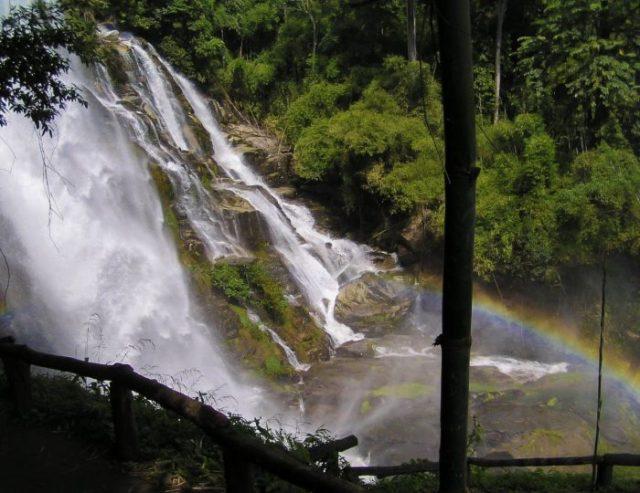 Wachirathan waterfalls dintorni Chiang Mai