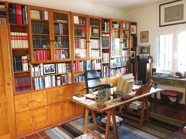 Lo studio di Saramago, Tias