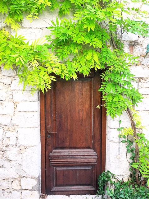Porta Èze Village