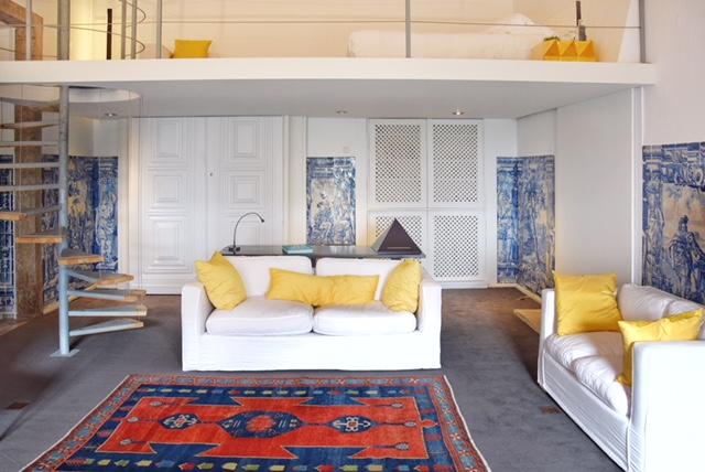 Soggiorno e soppalco suite Amadeo de Souza Cardoso Palacio Belmonte