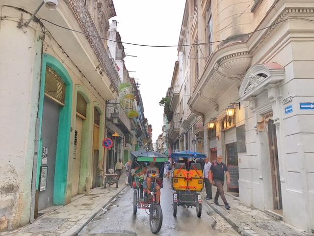 Tuc tuc Havana Vieja