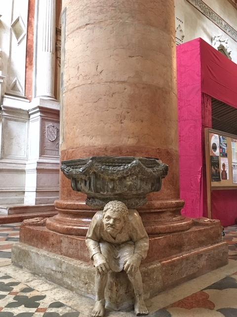 Basilica di Sant'Anastasia Verona dettaglio interno