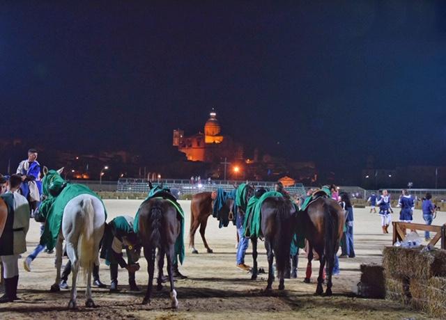 Vista sulla Cattedrale di Piazza Armerina dal Campo Sportivo