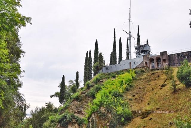 La nave Puglia nel parco del Vittoriale