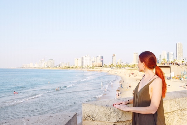 Vista sulla spiaggia e sullo skyline di Tel Aviv da Jaffa
