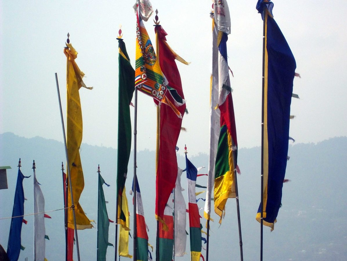What are some must-visit Buddhist places of interest in Gangtok, northeast India?