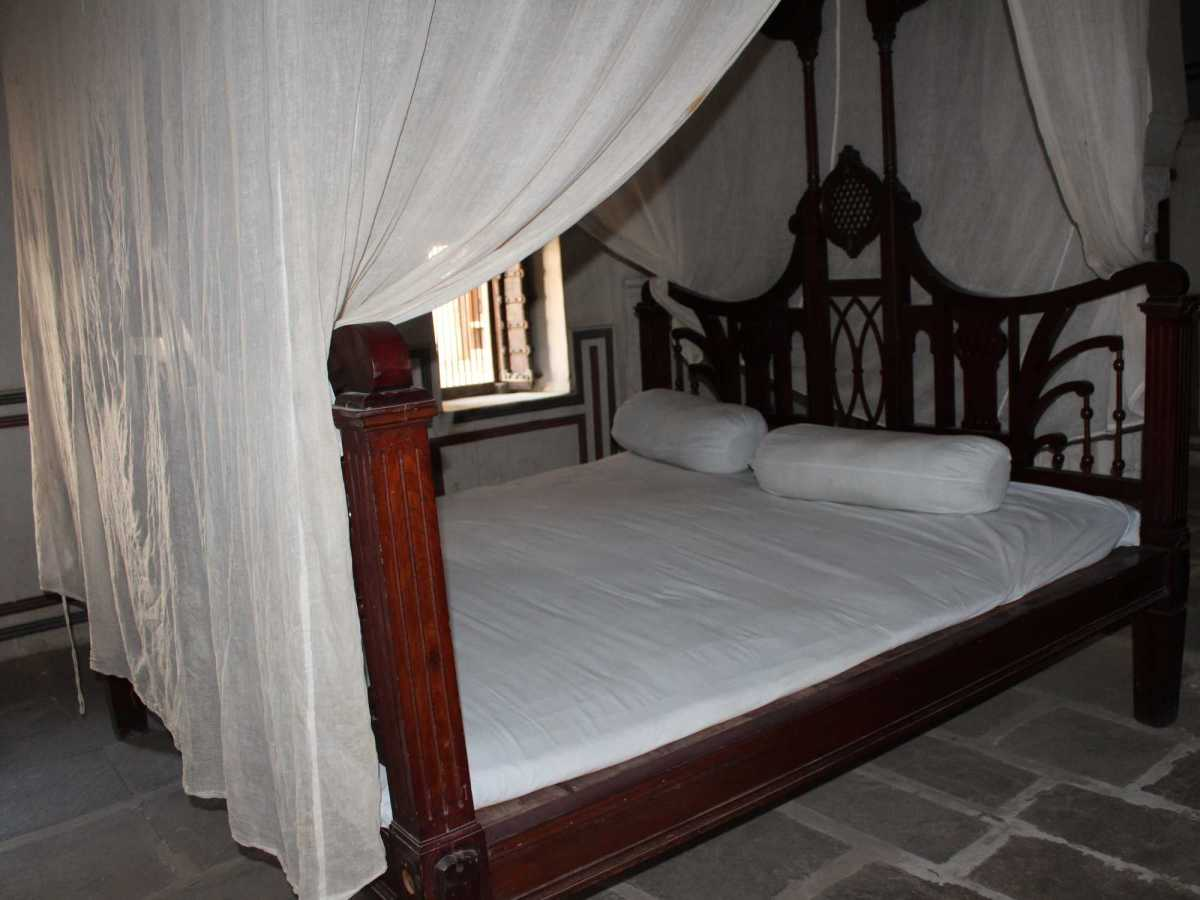 What kind of rooms do havelis of Nawalgarh have?