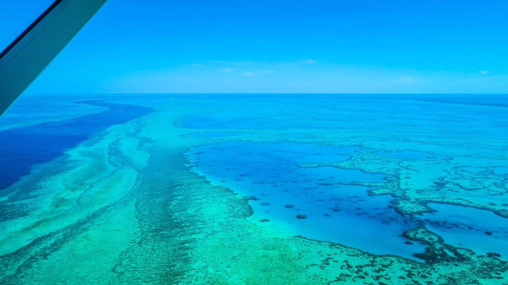 Survol de la Grande Barrière de Corail