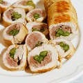 Mini arrosti di tacchino farciti con salsiccia e asparagi - Ricetta di unamammaincucina.it