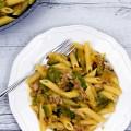 Pasta al sugo bianco di tonno e zucchine - Ricetta di unamammaincucina.it