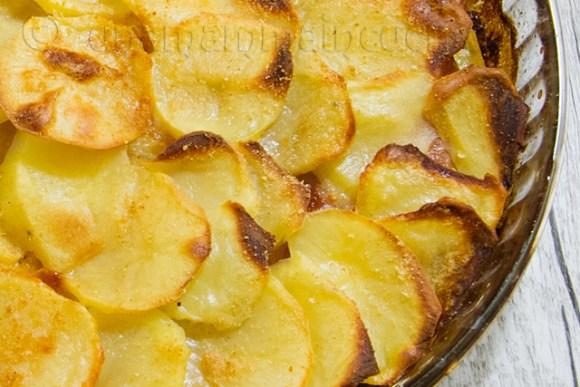 Tortino di patate al forno con mortadella e sottilette
