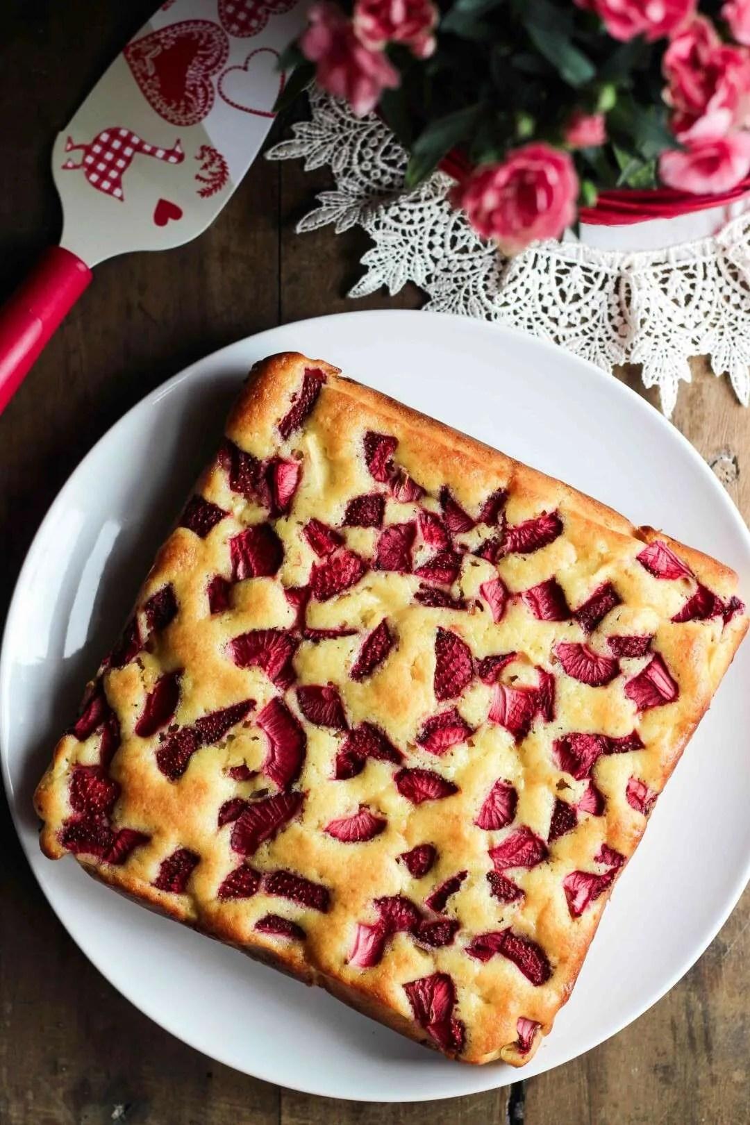 torta con mele e fragole