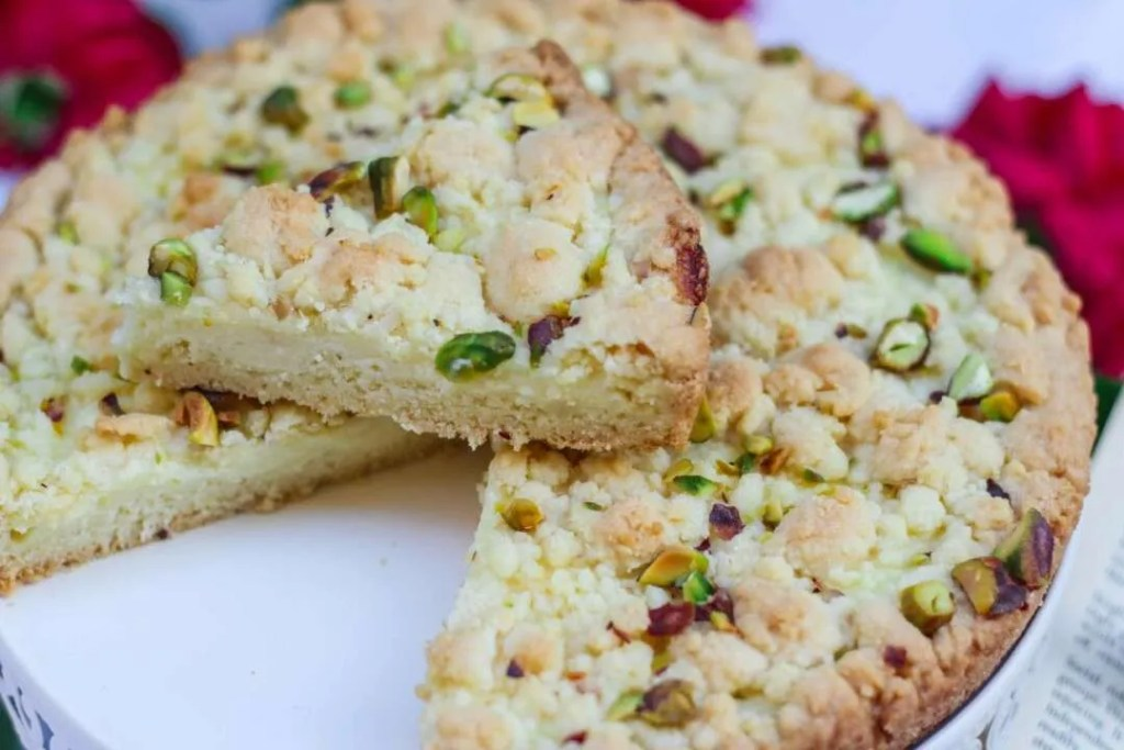 lemon and pistacchio crumble tart