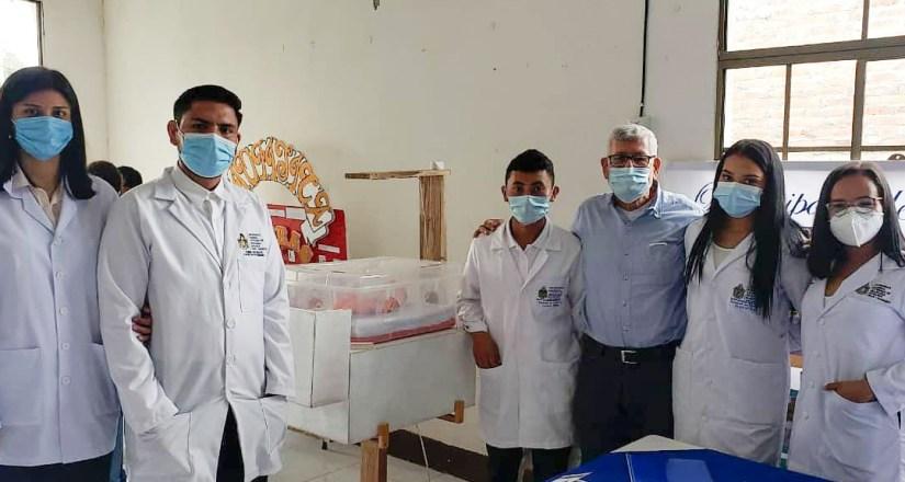 Facultad de Ciencias Médicas participa en feria de biofísica en El Tuma-La Dalia