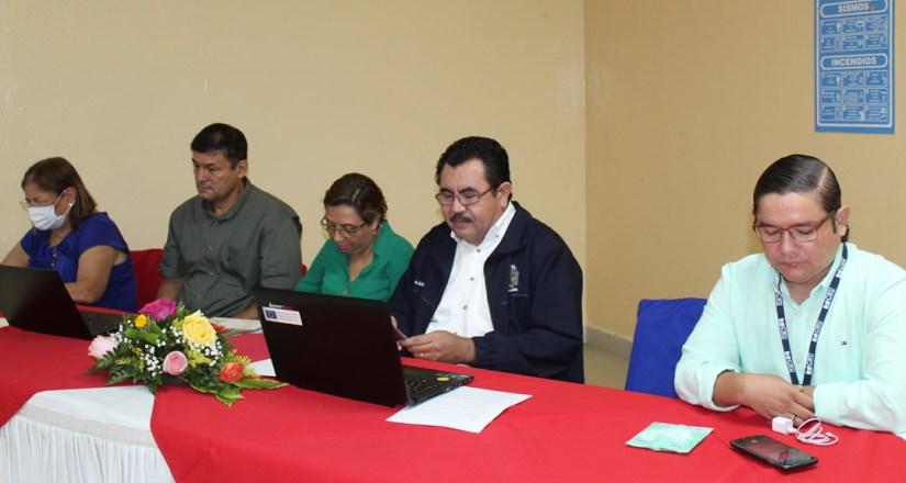 Participantes de la mesa redonda