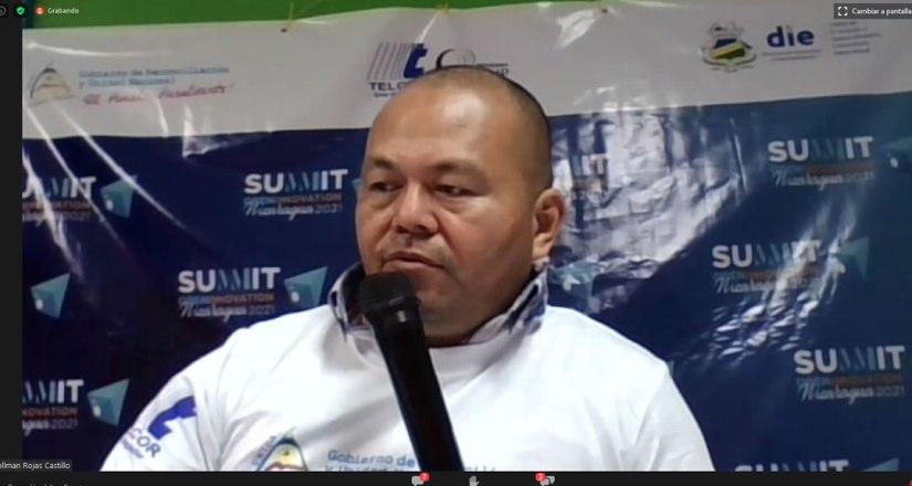 Cierre de la cumbre con las palabras del maestro Víctor Zúniga, Director de Innovación de la URACCAN.